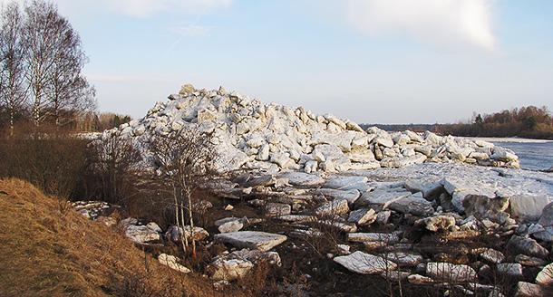 Ledus blāķi pie Aiviekstes NeoGeo.lv